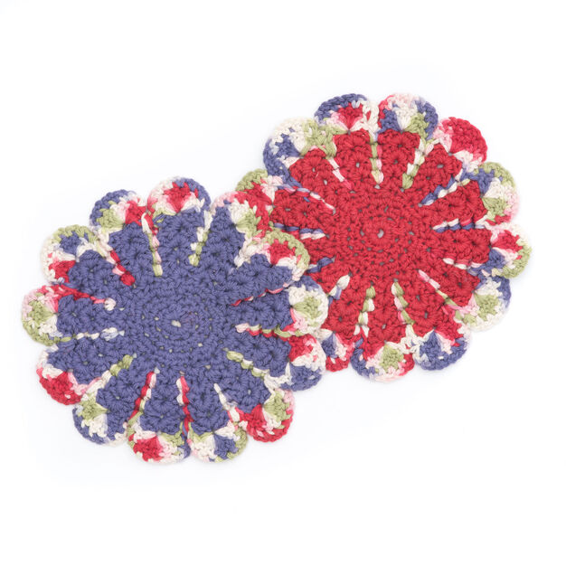 Lily Sugarn Cream Chrysanthemum Dishcloth Yarnspirations