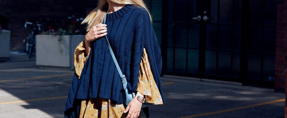 Reversible Rib Knit Poncho in Patons Classic Wool Worsted yarn