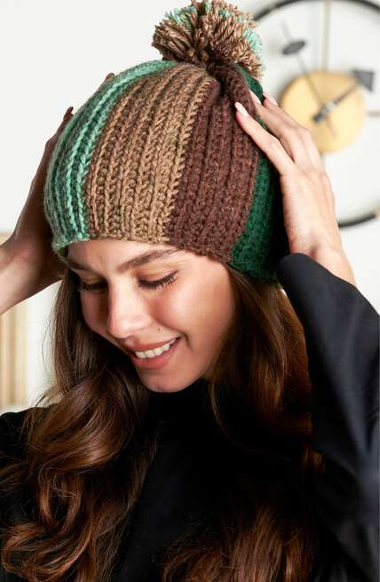 Red Heart boutique, hats and scarves patterns.