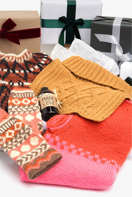 Gift Guide Patons patterns spotlight