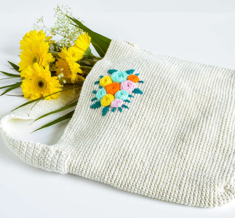 Peaches and Crème beautiful bouquet crochet tote