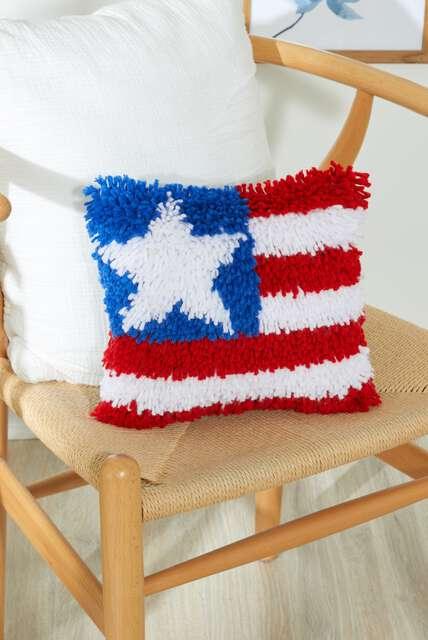 WonderArt Blog DIY Latch hook pillow.