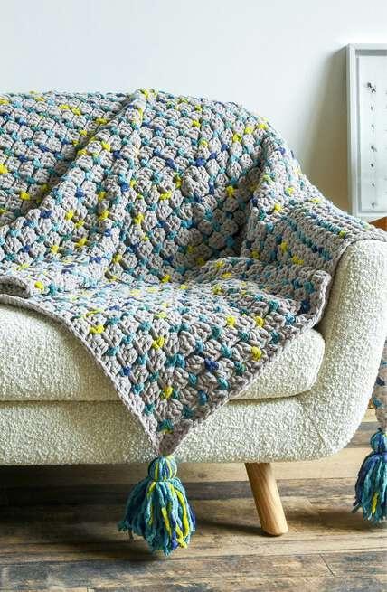Bernat boutique Home Décor patterns.