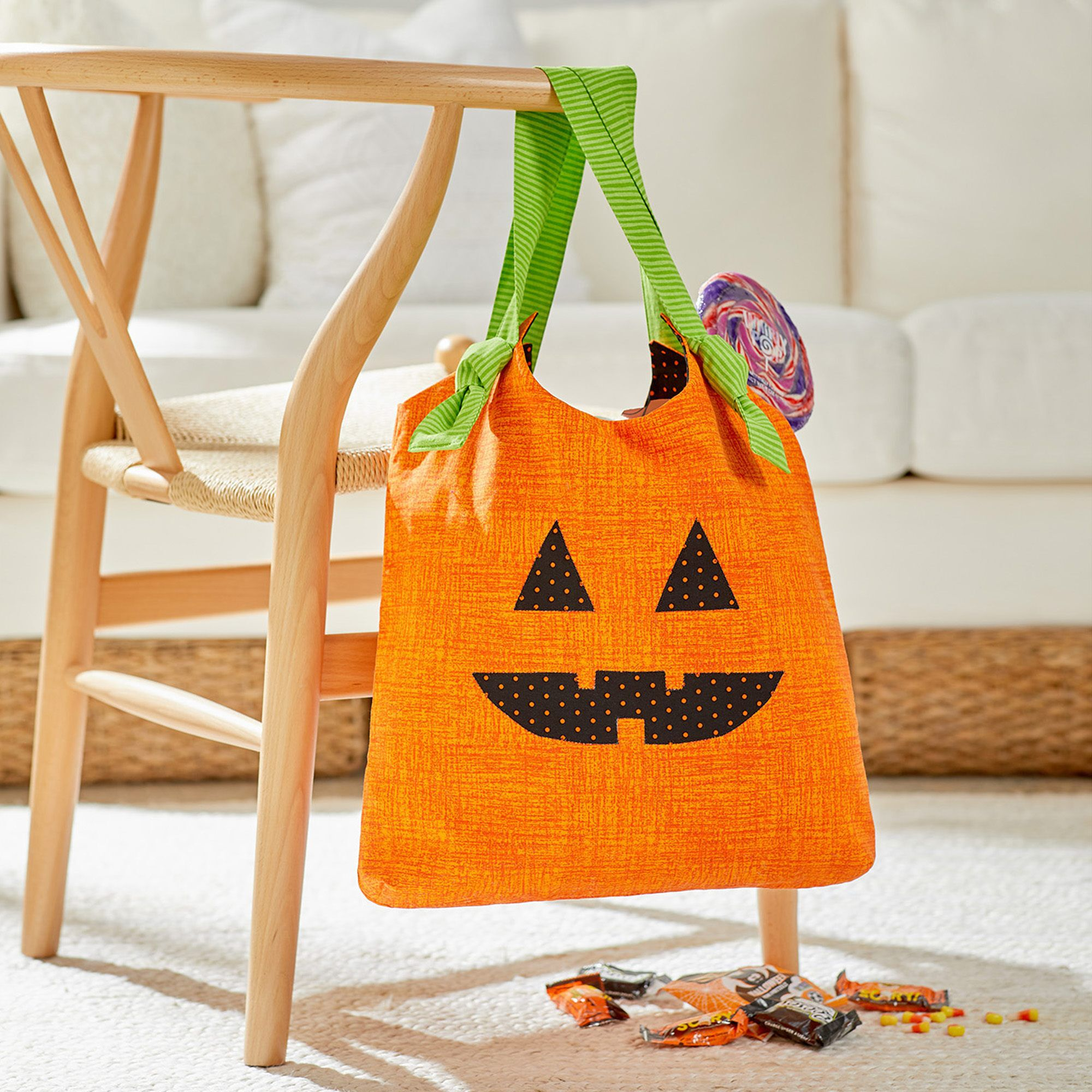 DUAL DUTY JACK O' LANTERN TOTE FOR HALLOWEEN