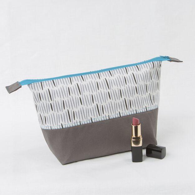 Coats & Clark Zippered Cosmetic Bag in color
