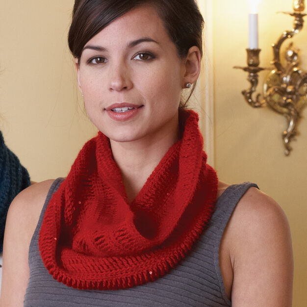 Patons Cowl in color