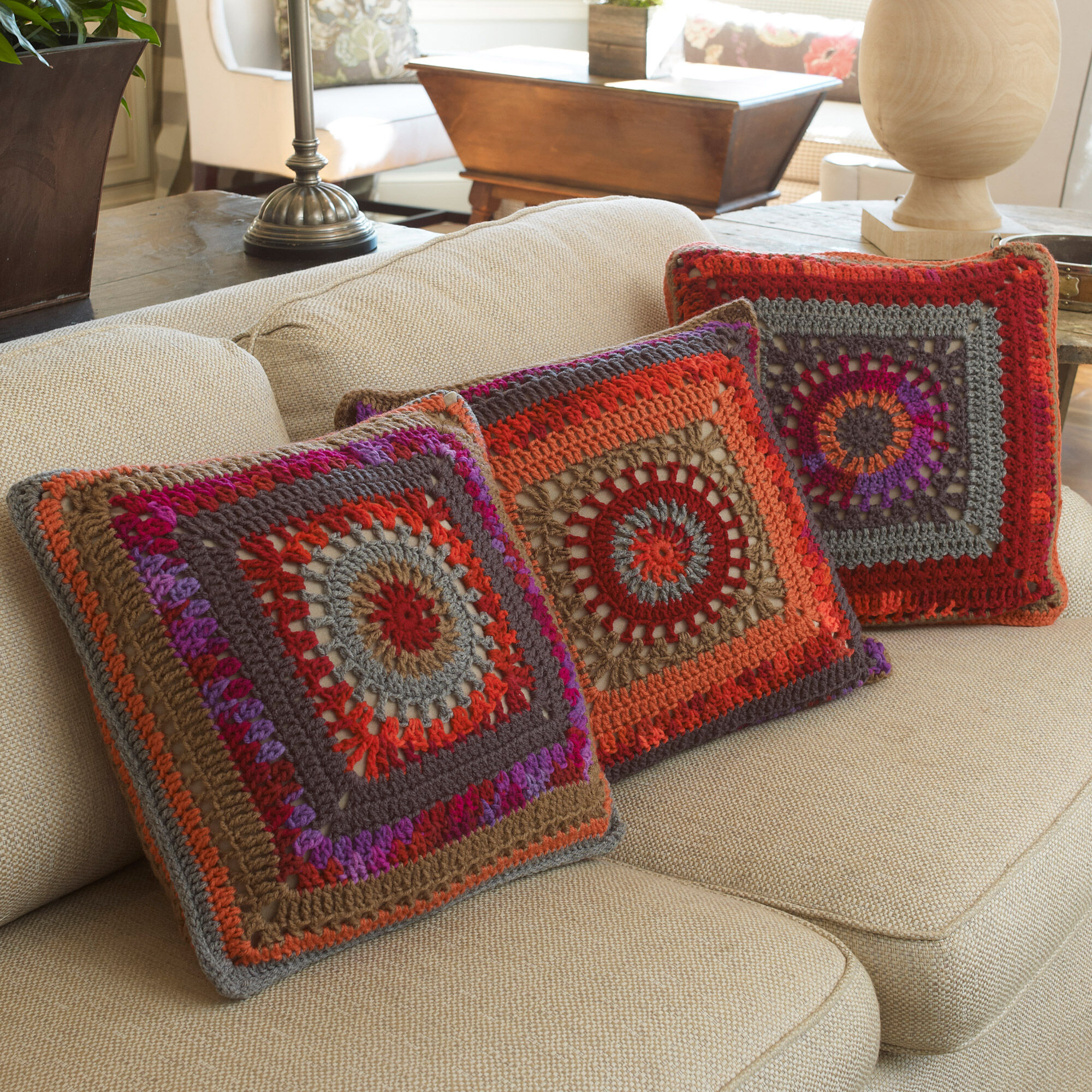 Red Heart Circle In The Square Pillows Yarnspirations