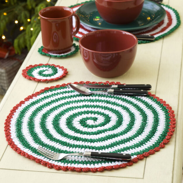 Red Heart Pinwheels for Table & Tree, Garland in color
