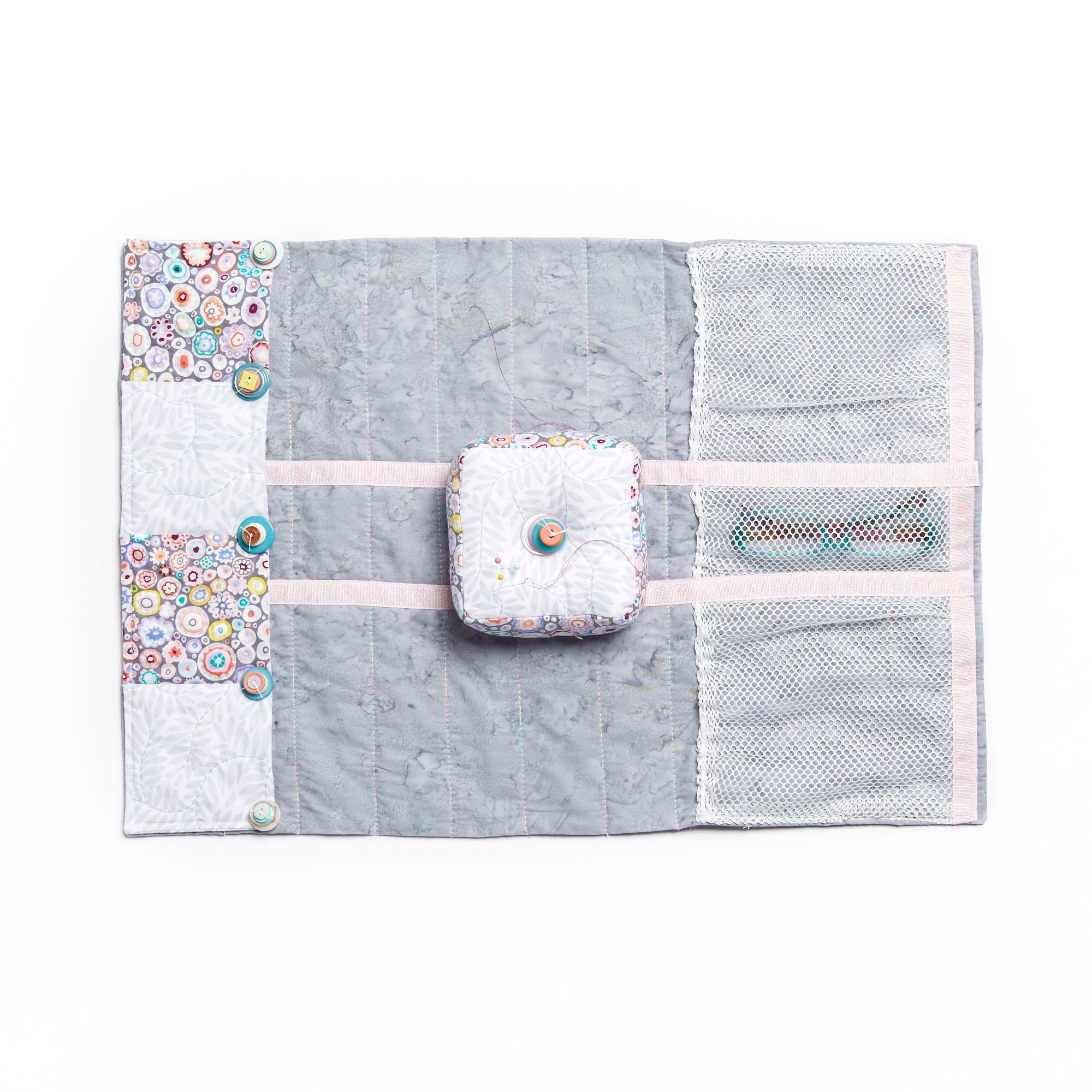 Coats & Clark Armchair Pin Cushion | Yarnspirations