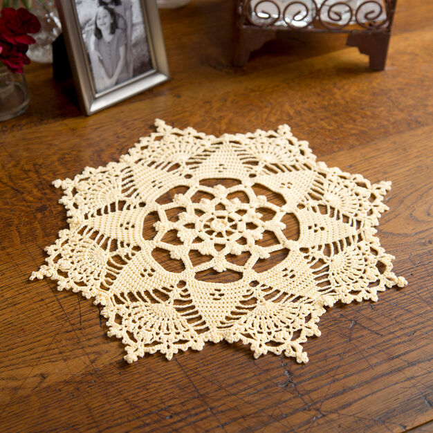 Aunt Lydia's Starshine Doily in color