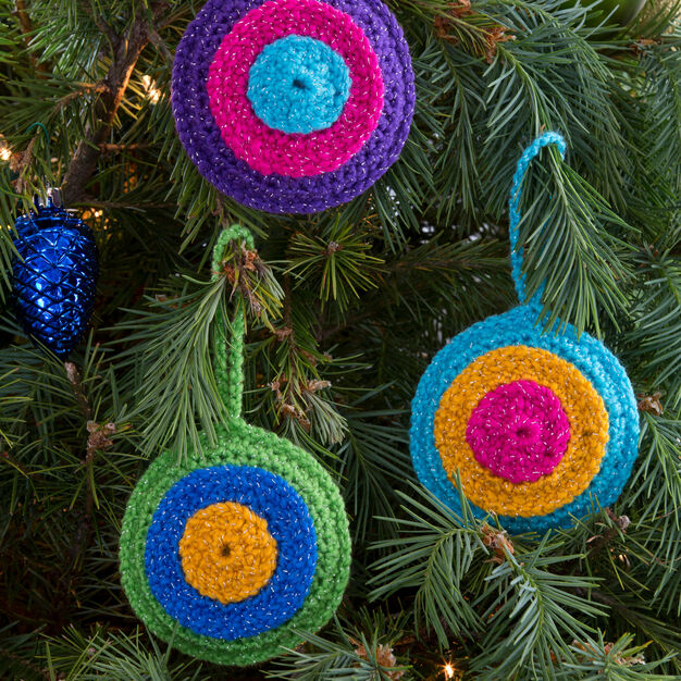 Red Heart Bull's-Eye Ornaments in color