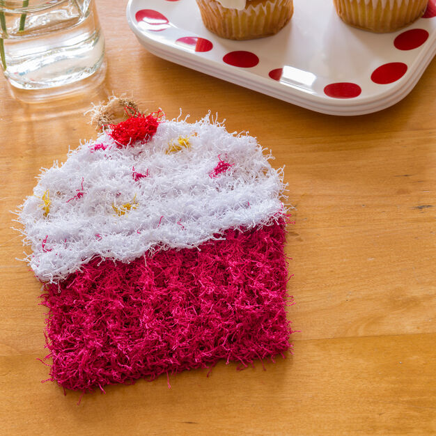 Red Heart Cupcake Scrubby in color