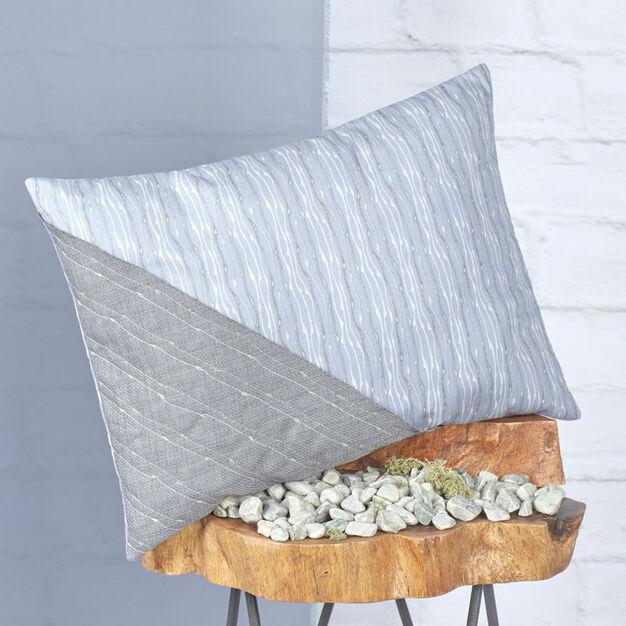 Coats & Clark Shell Rummel Raindrop Pillow in color
