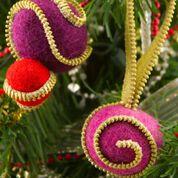 Coats & Clark Zipper Felted Ball Ornament