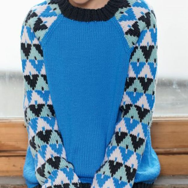 Red Heart Tween's Graphic Pullover, 10 yrs in color
