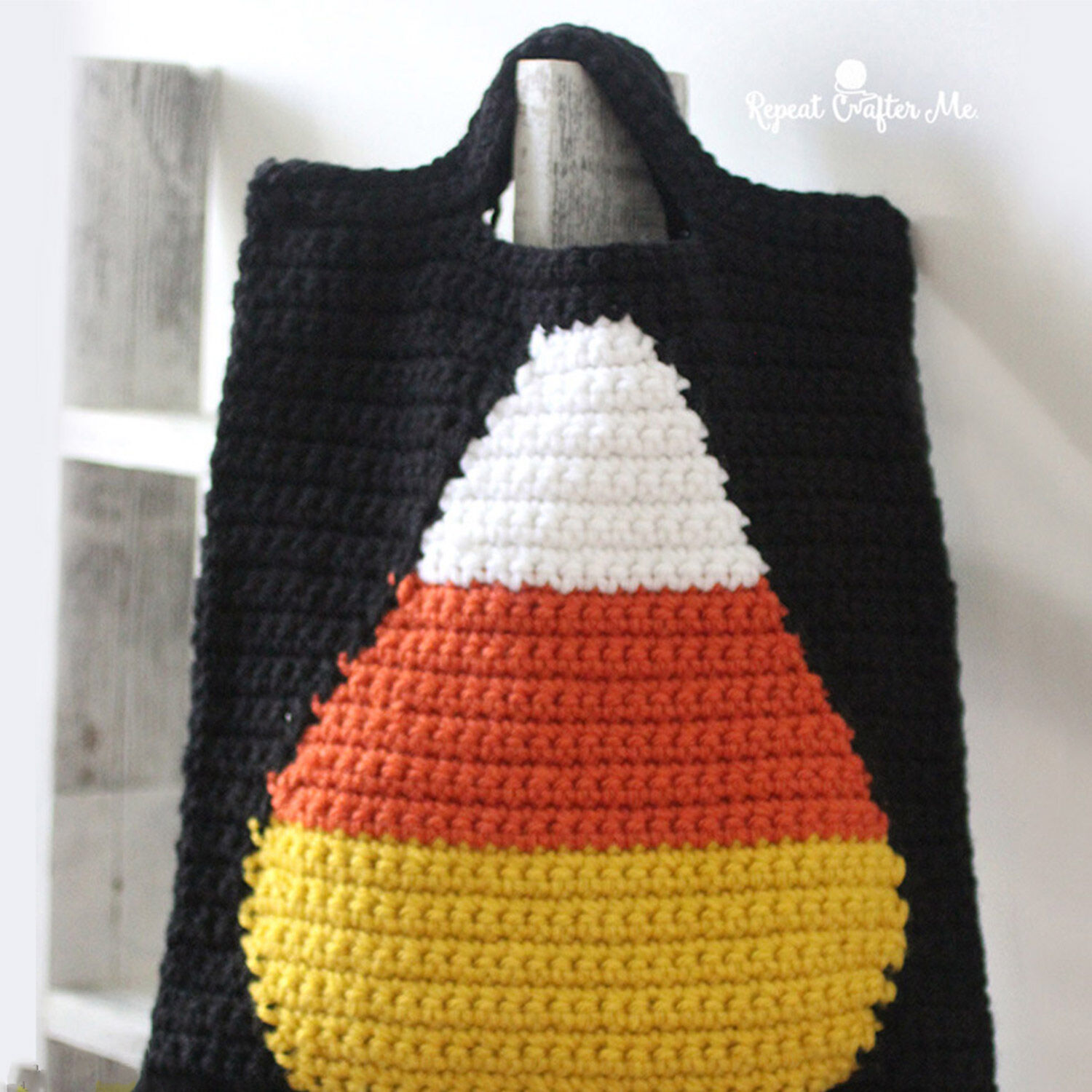 BERNAT CROCHET CANDY CORN TRICK OR TREAT BAG