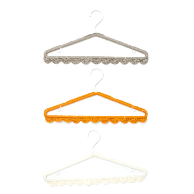 Bernat Scallop Edge Hanger Cover in color