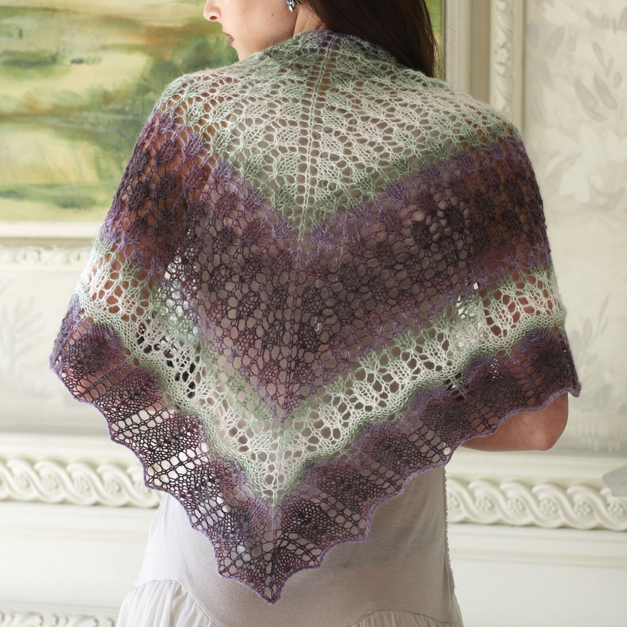 Patons Pretty Triangle Shawl Pattern | Yarnspirations