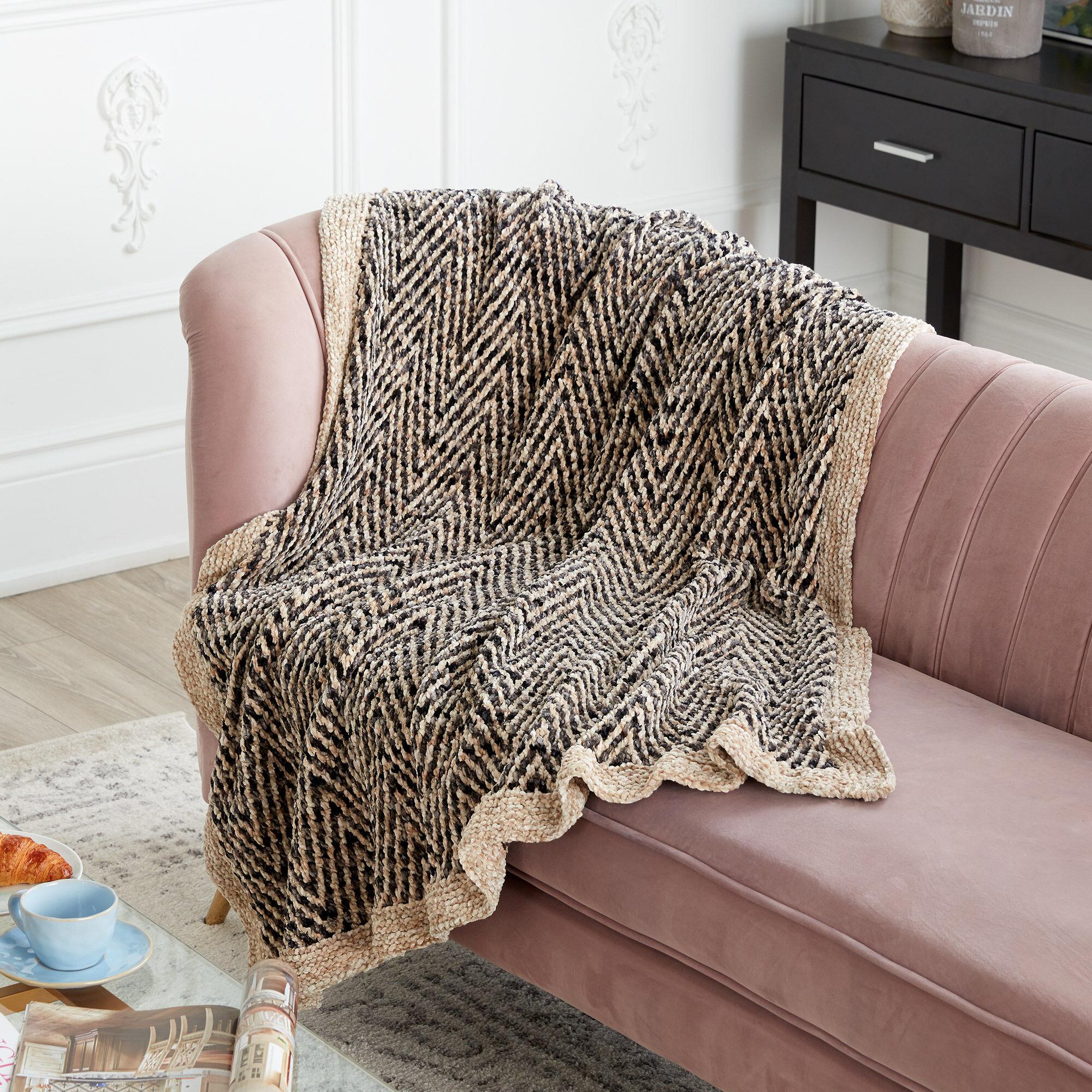 Bernat Knit Two Tone Blanket   Yarnspirations
