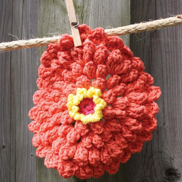 Lily Sugar'n Cream Zinnia Dishcloth in color