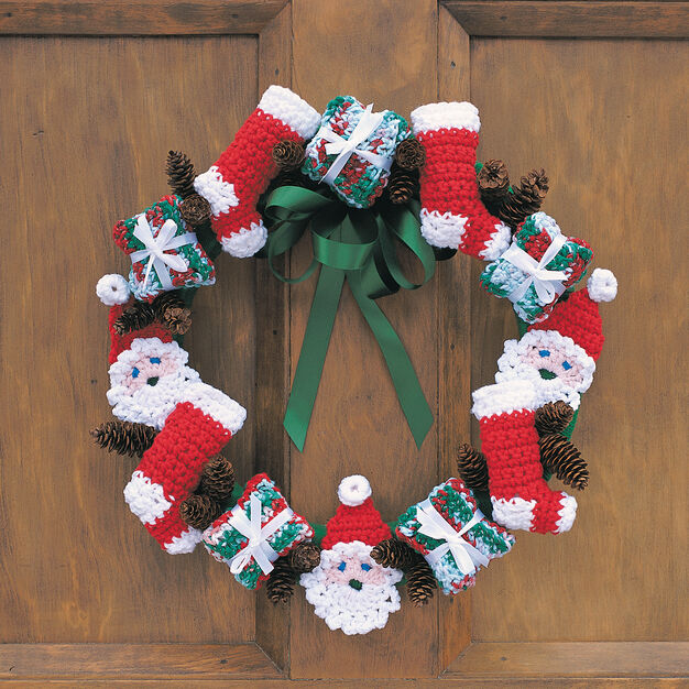 Lily Sugar'n Cream Merry Christmas Wreath