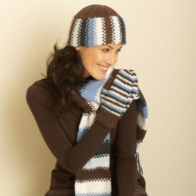 Bernat Hat, Scarf and Mittens, Hat