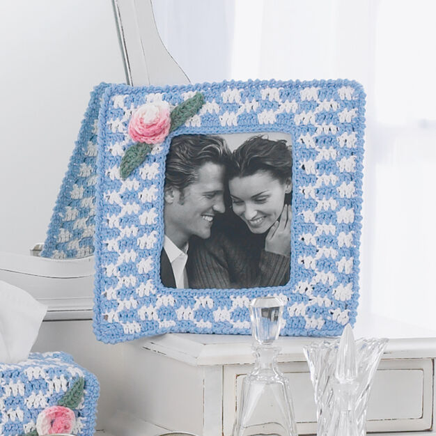 Lily Sugar'n Cream Picture Frame in color