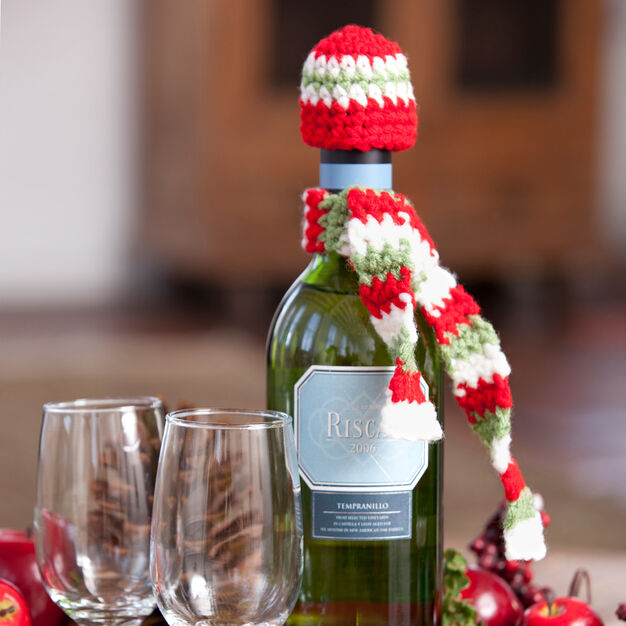 Red Heart Dressed-to-Party Bottle Accessories in color