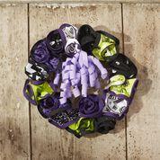 Coats & Clark Zipper No-sew Halloween Wreath