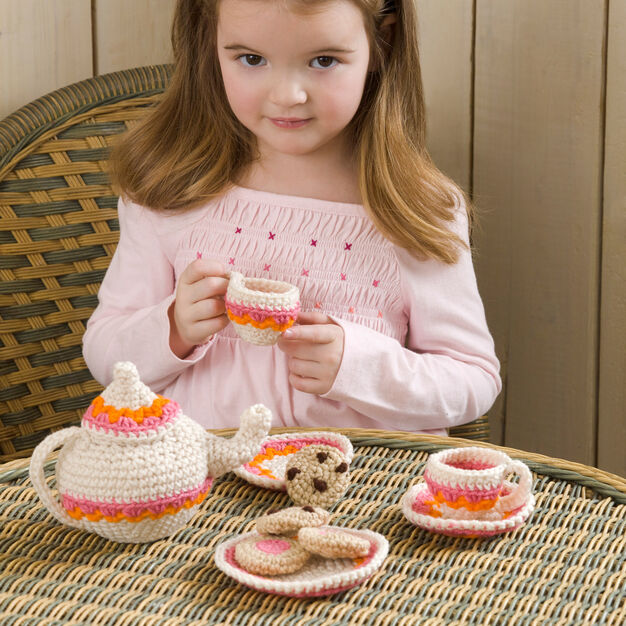 Red Heart Tea and Cookies Party Set in color