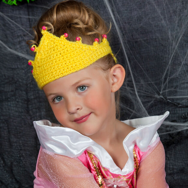 Red Heart Tiara for a Princess in color