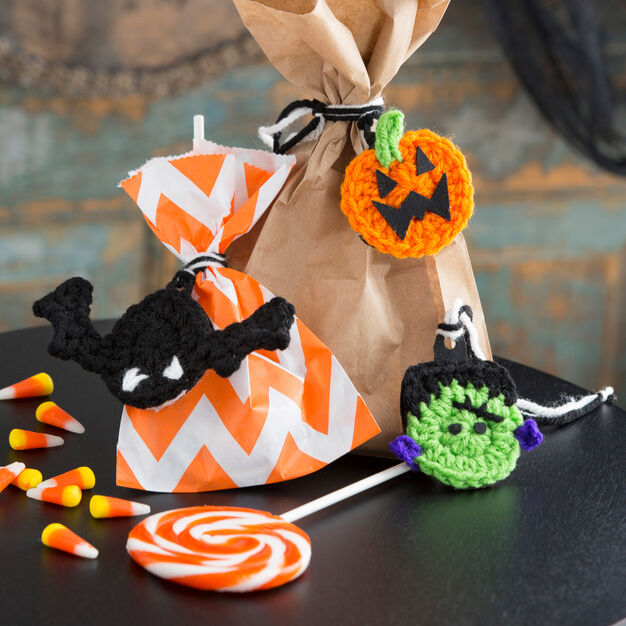 Red Heart Halloween Gift Trims in color