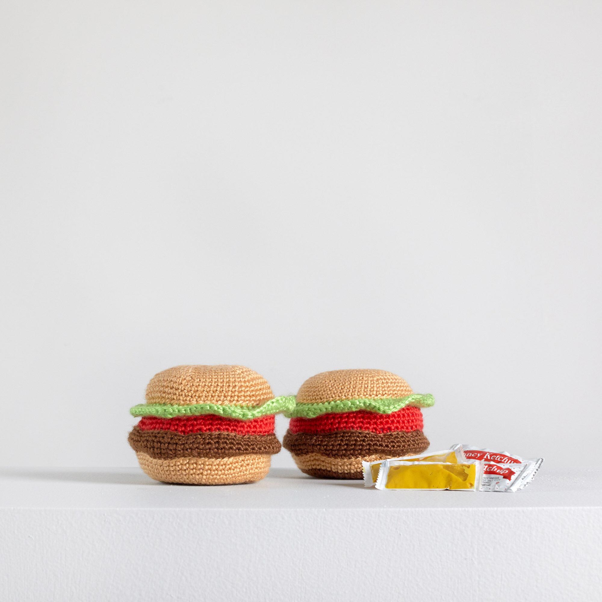 Red Heart Amigurumi Yarn-hamburger
