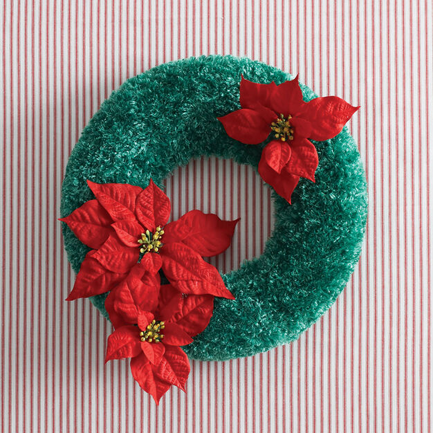 Bernat Holidays Christmas Wreath to Crochet
