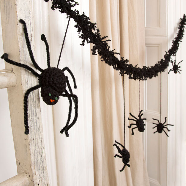 Red Heart Creepy Spider Garland