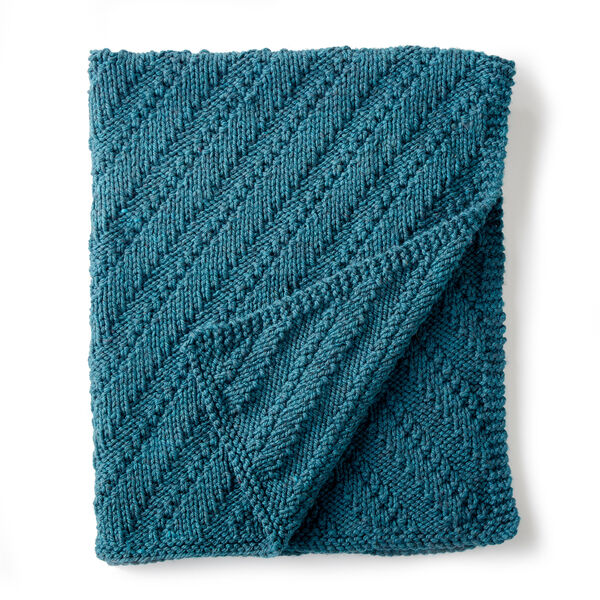 Free Pattern: Reversible Knit Lap Blanket in Bernat Softee Chunky yarn
