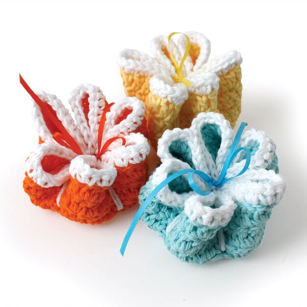 Lily Sugar'n Cream Ribbon Flowers Dishcloths in color