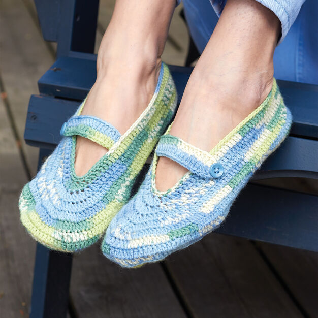Patons Summer Slippers, S in color