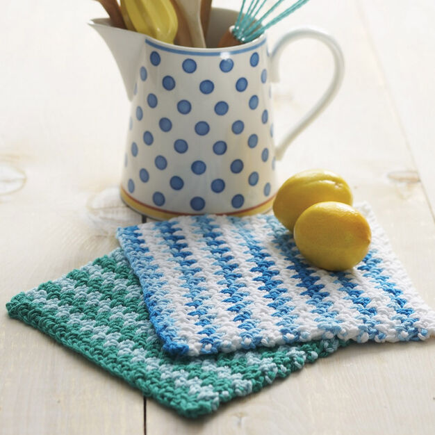 Lily Sugar 'n Cream Basic Striped Dishcloth, Version 1 in color