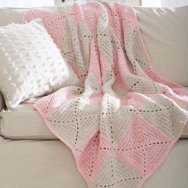 Lily Sugar'n Cream Twists Blanket in color