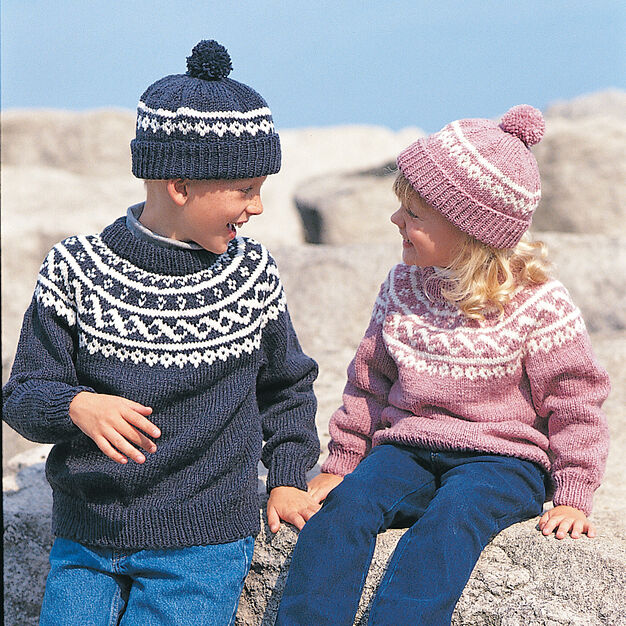 Bernat Pullover & Toque , Ombres - 4 yrs in color