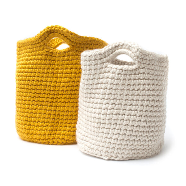 Free Pattern: Cache Baskets in Bernat Mega Bulky yarn
