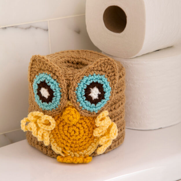 Red Heart Retro Owl Toilet Roll Cover in color