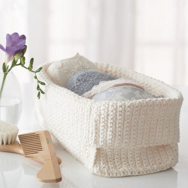 Lily Sugar 'n Cream Spa Basket in color