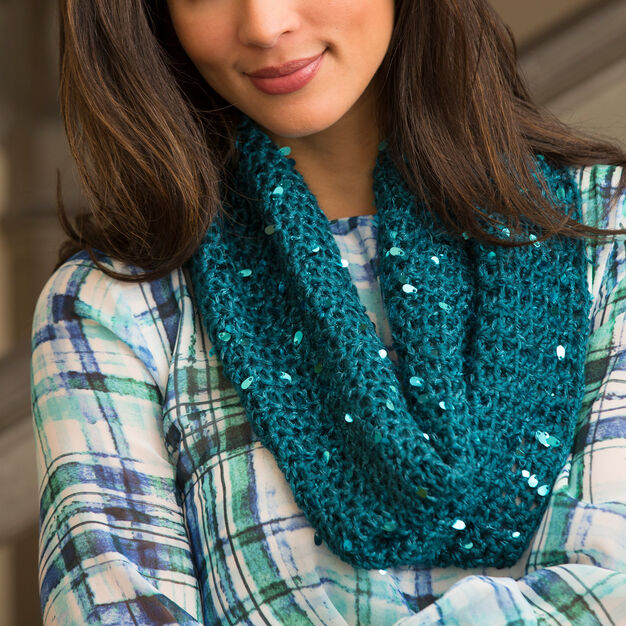 Red Heart Classy Crochet Cowl Pattern in color