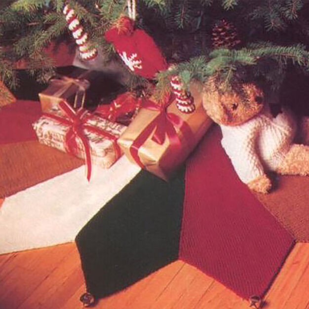 Patons Jester Tree Skirt, Patons Canadiana in color