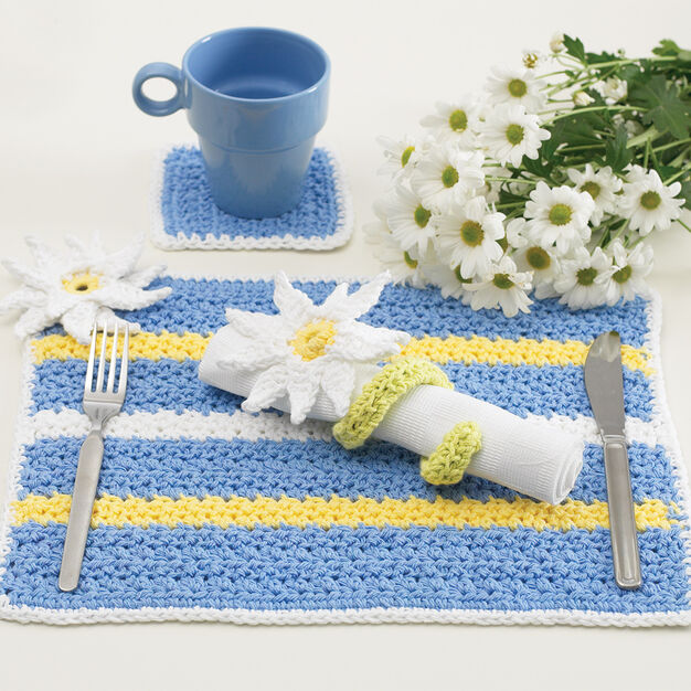Lily Sugar'n Cream Daisy Table Setting, Napkin Rings in color
