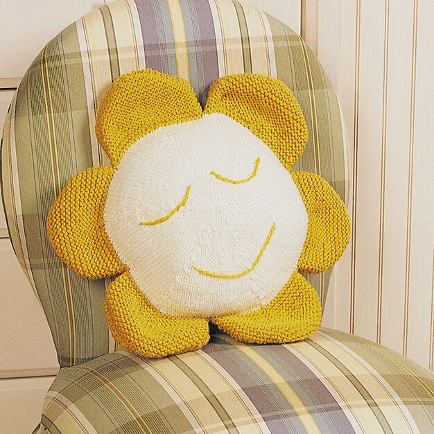 Patons Daisy Pillow, Decor