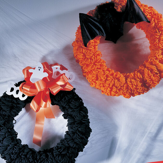 Red Heart Trick or Treat Wreaths in color