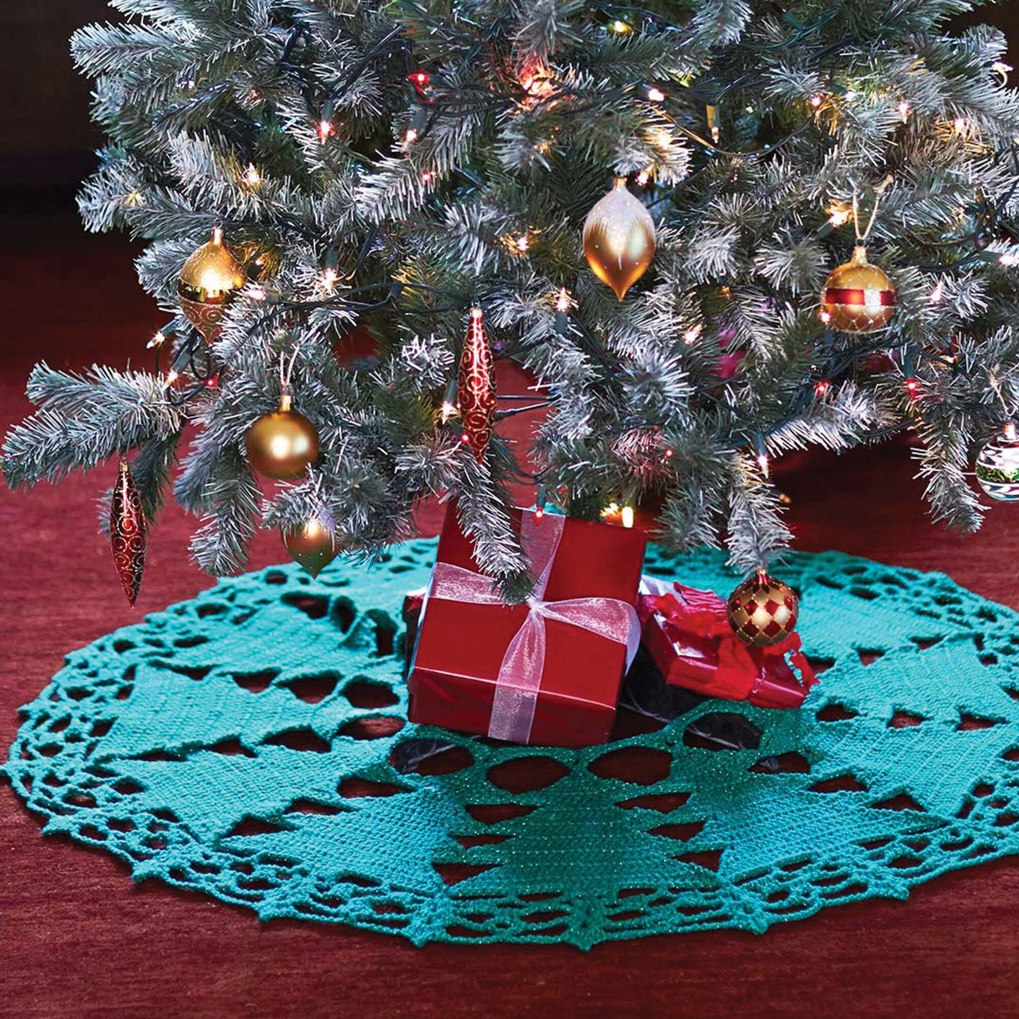 Easy Crochet Christmas Tree Skirt: Bernat Christmas Tree Skirt
